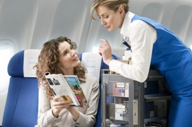 KLM_hotesse_duty_free