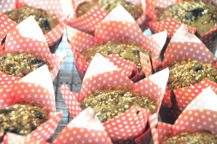 Puedes hacer este queque en moldes de cupcakes o en molde de queque, inclusive en molde refractario.