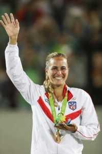Mónica Puig primera mujer en ganar una medalla de oro en Juegos Olímpicos para Puerto Rico.