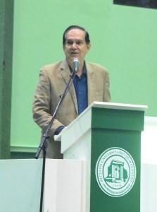 El comisionado de la LAI José E. Arrarás se dirige a los presentes en la Ceremonia de Premiación de la LAI 2017-2018. (L. Minguela LAI)