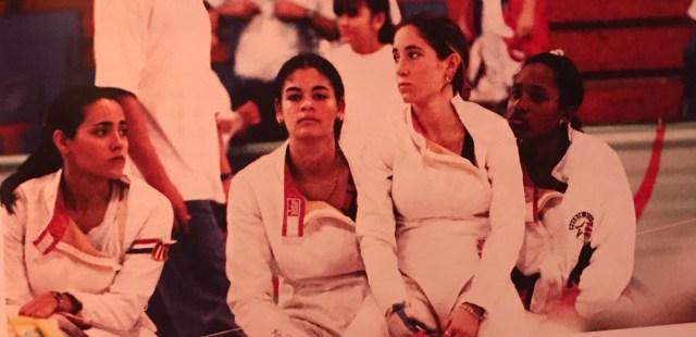 Equipo de ensuño. Gana el primer oro para Puerto Rico el equipo de espada femenina en Ponce 1993.