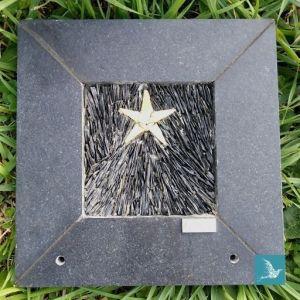 étoile, plaque funéraire d'artiste