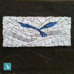 oiseau en mosaïque plaque funéraire