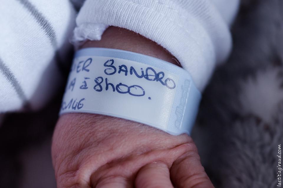 bracelet de naissance du nouveau né