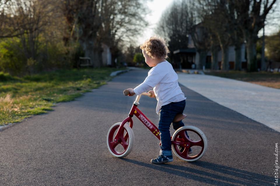 vélo d'enfant pour promener en famille