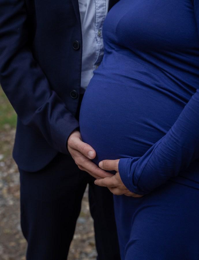 Comment s'habiller pour sa séance photo grossesse