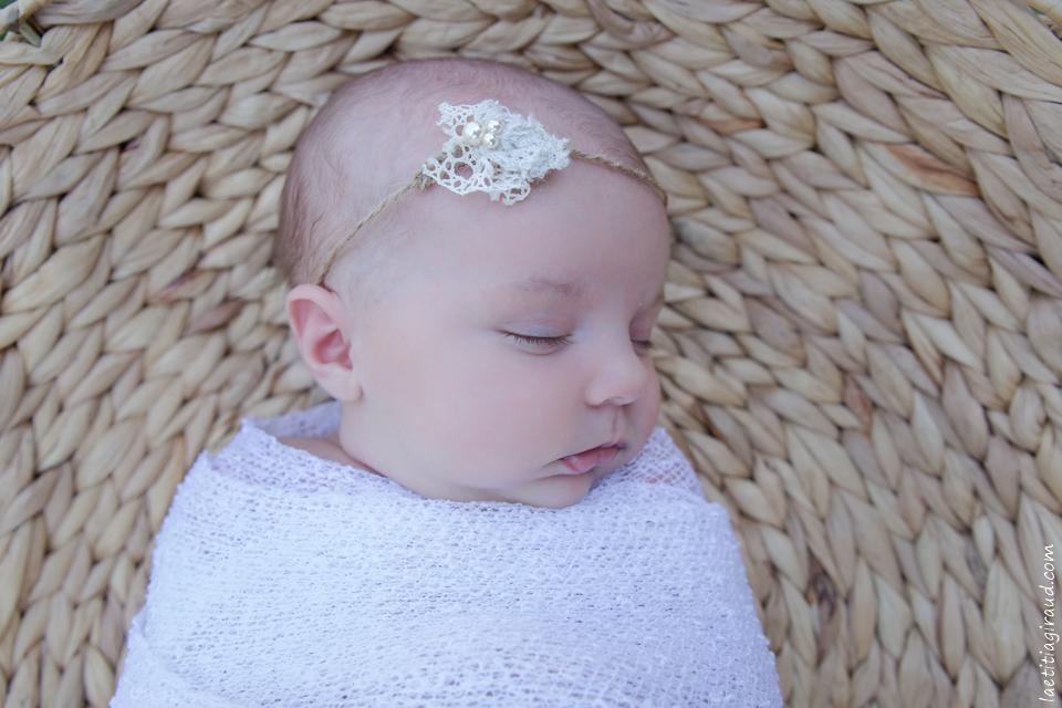 photo portrait bebe naissance en extérieur
