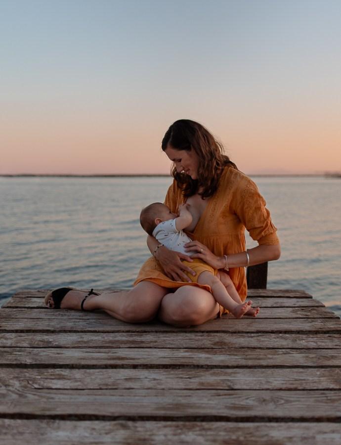 Photographe allaitement | Photos de famille à Bouzigues