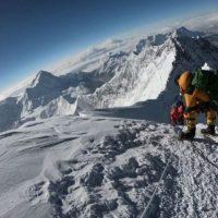 Club Andino Mercedario busca instalar a sus mejores montañistas en la cima más alta del mundo