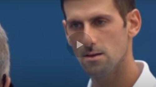 Furia de Djokovic termina en pelotazo contra jueza