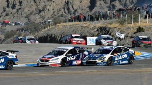 ¿El Súper TC2000 arranca la temporada en San Juan con una doble fecha?