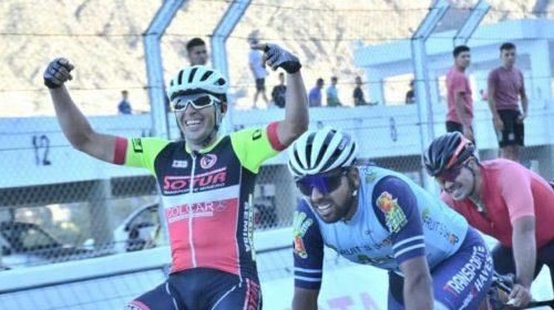 Ciclismo de Libres: el jachallero David Brenta voló en el autódromo El Zonda