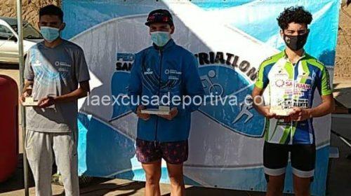 Lucila Robledo y Lautaro Delgado, los grandes ganadores del triatlón local
