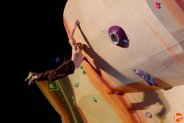 hard-training-for-climbing-dyno-fabrique-verticale