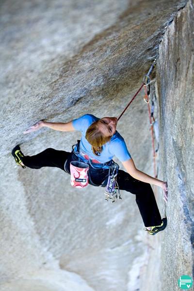 grimper-en-diedre-technique-escalade-progresser-fabrique-verticale