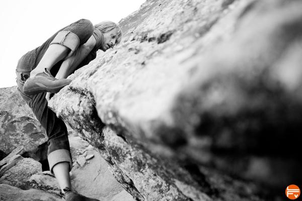 mantel-climbing-bouldering