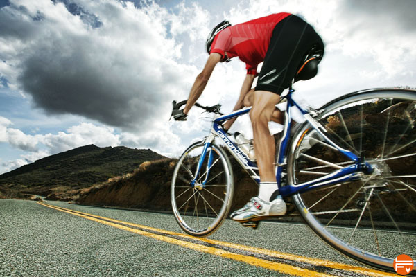 cardio-training-cycling-climbing