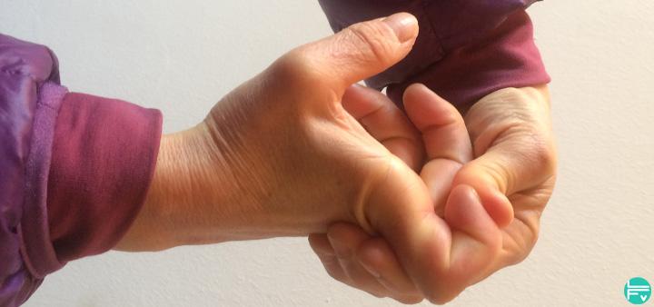 etirements-doigts-grimpeurs-escalade-entrainement-fabrique-verticale