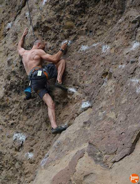 entrainer-escalade-falaise-desescalade