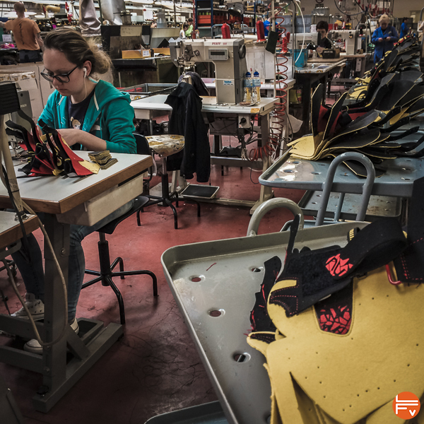 La Sportiva-couture-production-chaussons-escalade