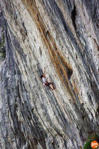 8c-escalade-laurence-guyon