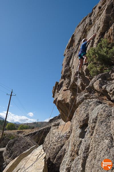 simond-rock-escalade-materiel-securite-harnais-falaise