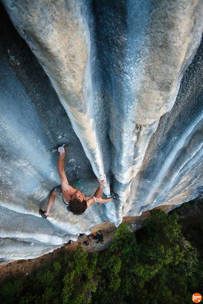 pinces-escalade-falaise