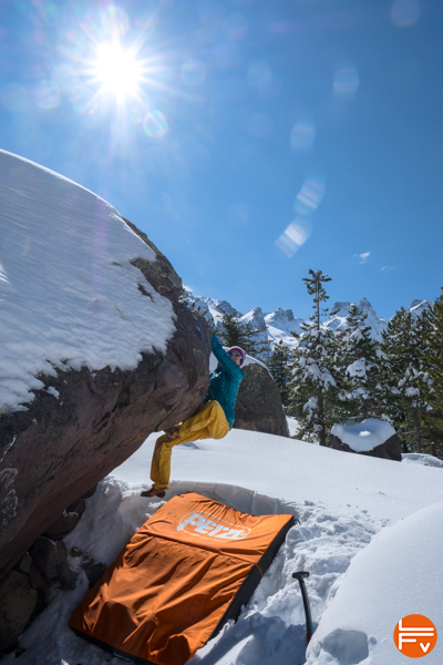 bouldering-snow-winter-patagonia-micropuff-hoody-review