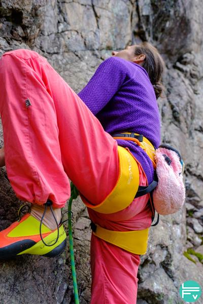 escalade-harnais-edelweiss-scorpion-falaise-grimper