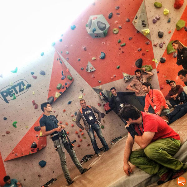 urban-climbing-gym-symposium-petzl-escalade-salle-bloc
