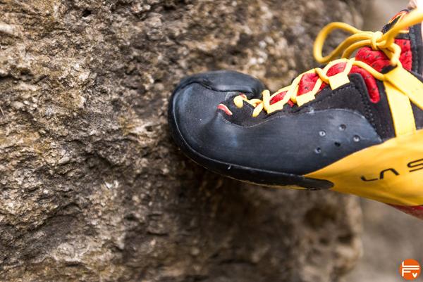 grattonage escalade en finir avec les entorses de la cheville en bloc pieds chaussson escalade