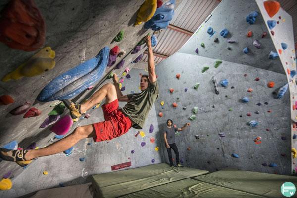 Alex Honnold training climbing gym