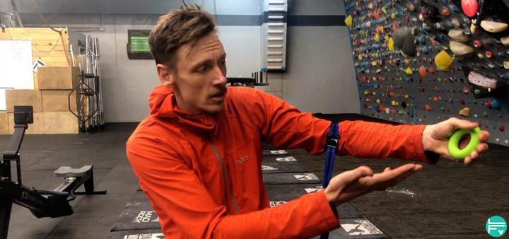 blood flow restriction training climbing