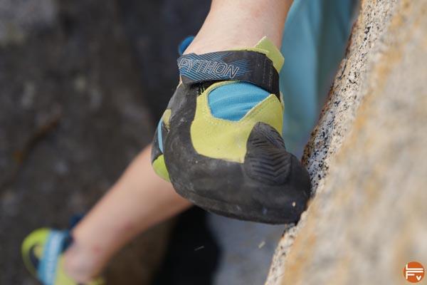 python la sportiva sensations en pointe escalade pose de pied