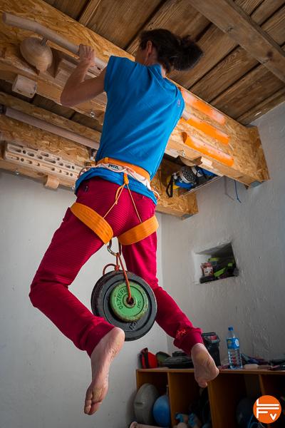 grimpeuse traction lestée, entraînement de la force