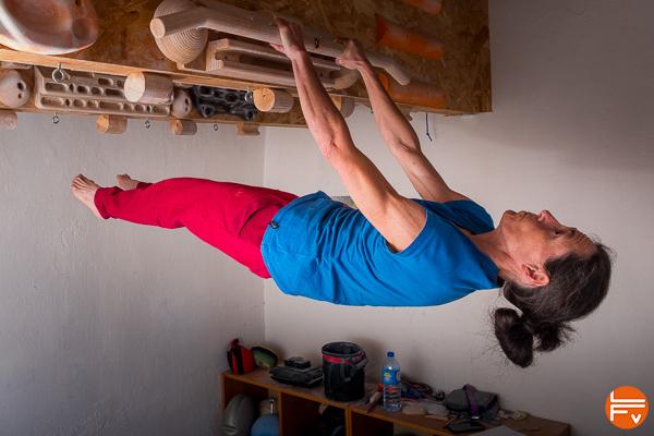 grimpeuse planche entraîner la force