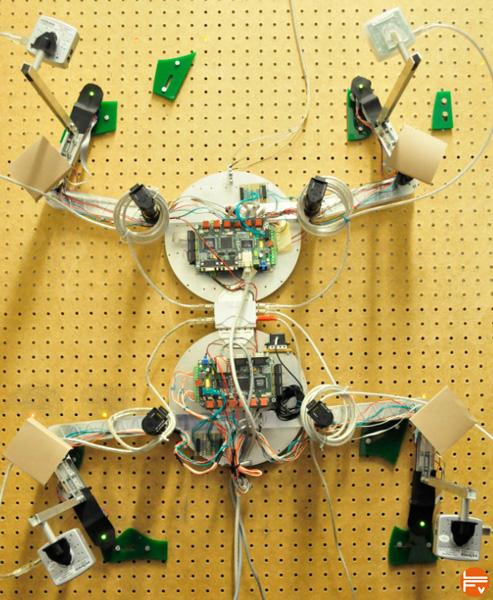 robot climbing escalade