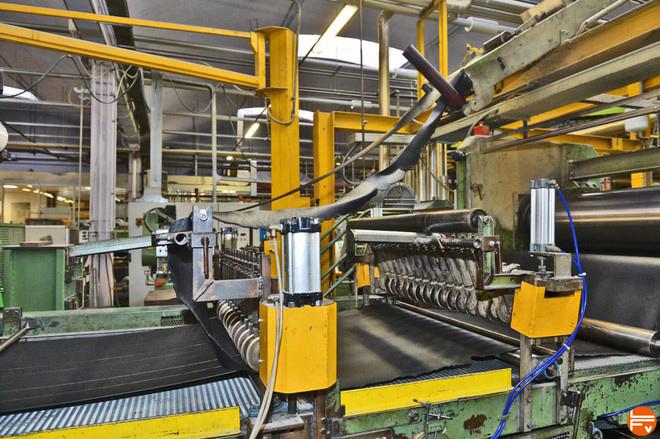 chaines de production gomme vibram chaussons escalade