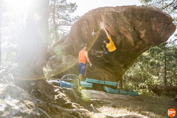grimper en exterieur bloc outdoor