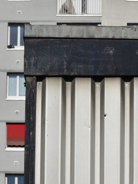 Matériaux sur fond d'habitation (Marc Leboucher)