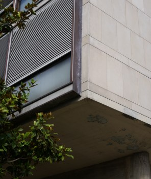 Sous un coin de... (Le Corbusier)