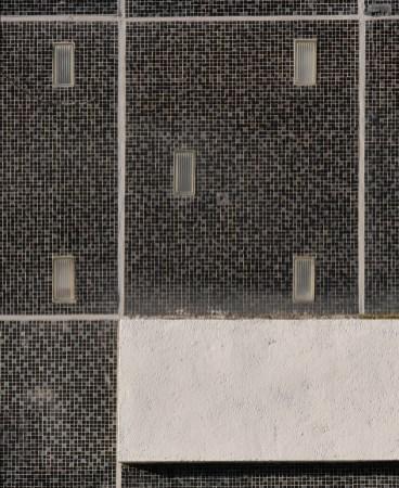 Noir, gris et serti de verre (H. Pottier)