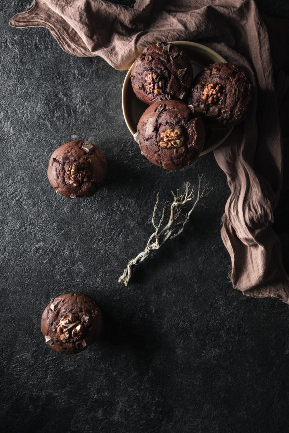 Muffins au chocolat et aux noix caramélisées au miel