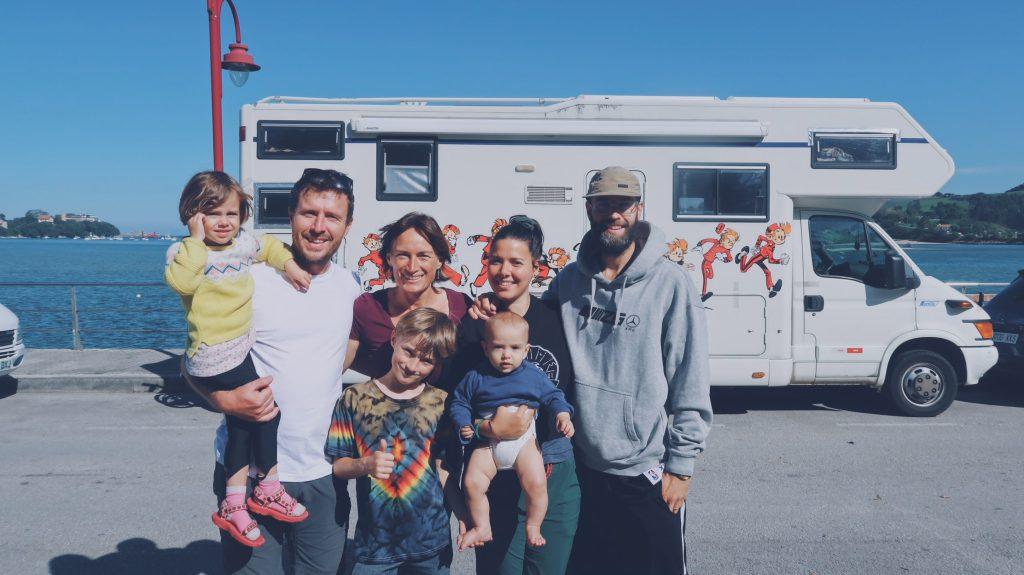 les 5 Happy Hoppers famille voyageurs