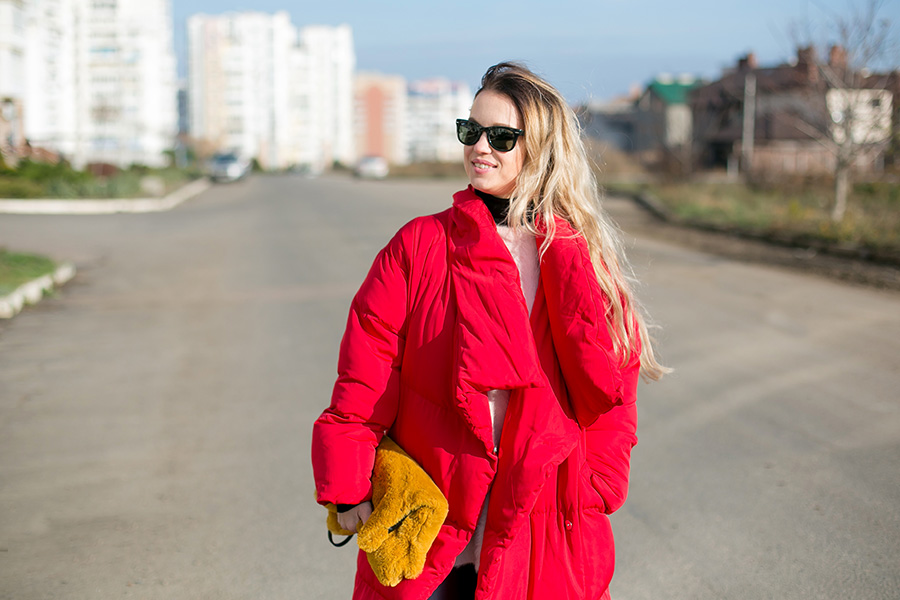 Один из самых распространенных предметов верхней одежды зимой — это пуховик!  Он не теряет своей актуальности и не перестанет быть популярным, потому что  он ... d4222df5694