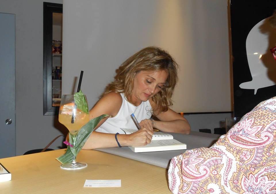 Mónica Rouanet charlará con los lectores de la Opinión