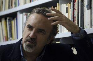 El autor durante la entrevista