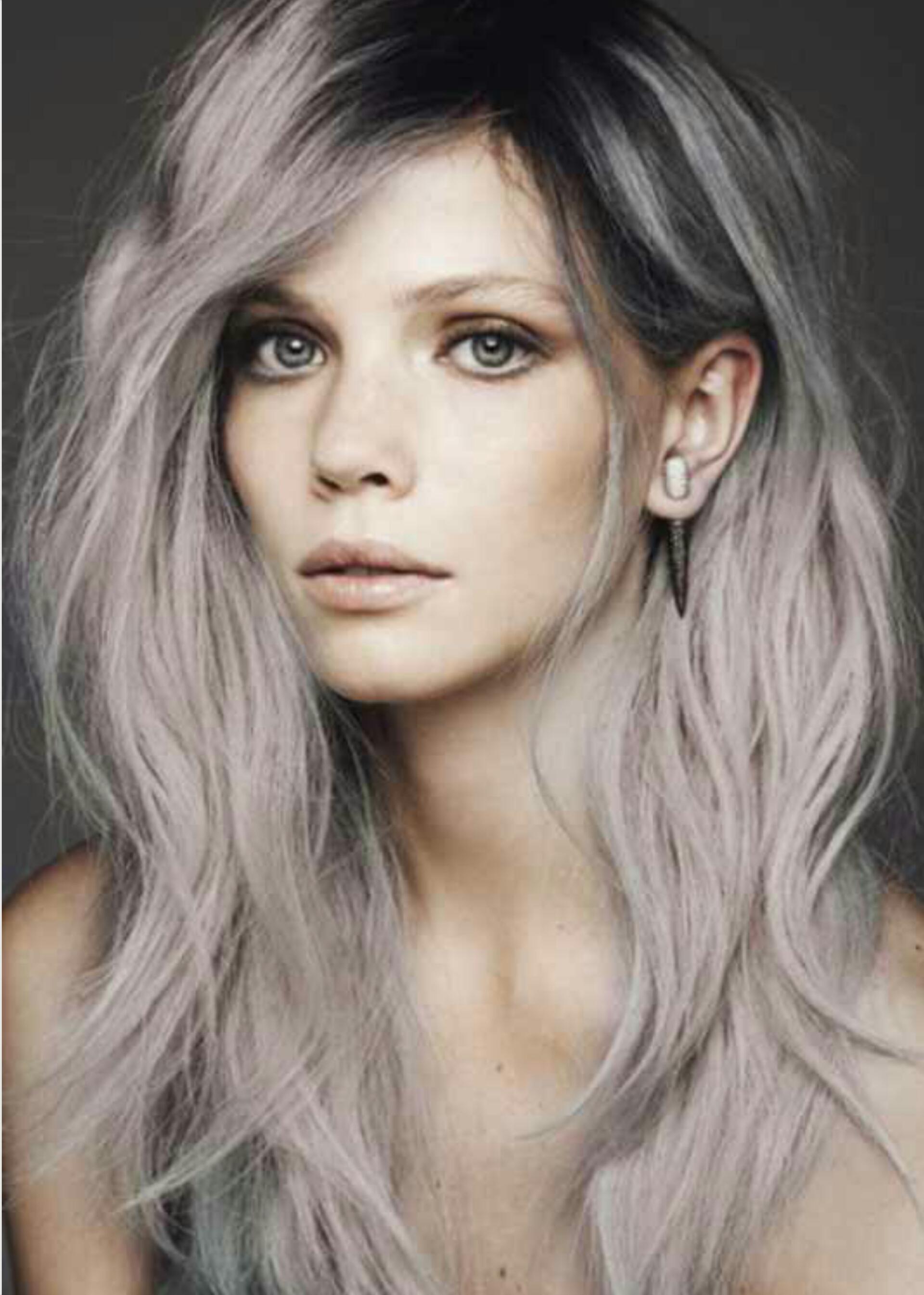 Trend Alert Grey Hair La Femme Rebelle Clothing Of Silver