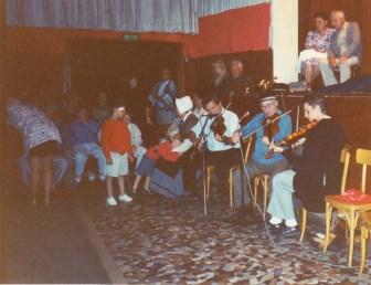 Soirée musique et danses - Foyer Rural Egliseneuve - 1990