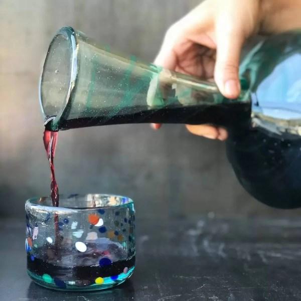 zurito de vino vaso de vidrio